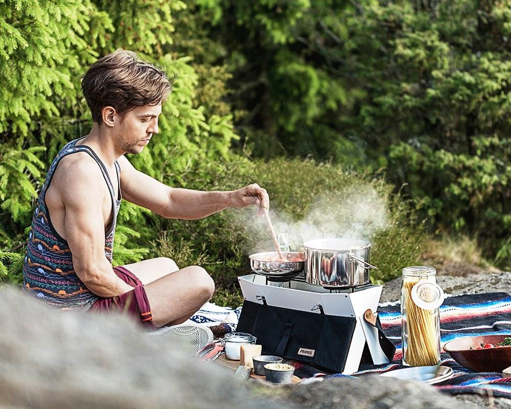 Пикник сред природата с комплект съдове за готвене Primus Campfire Cookset Small