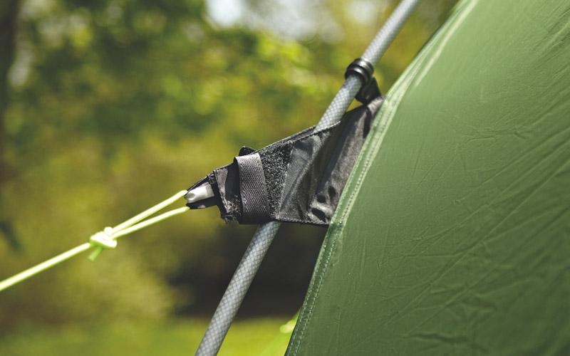 шнурове с обтегачи опъват палатка