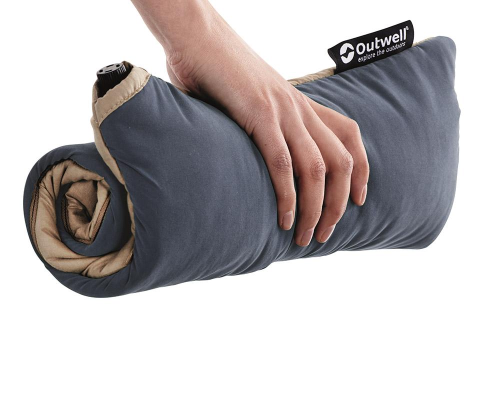 Надуваема възглавница Outwell Conqueror Pillow в прибрано състояние