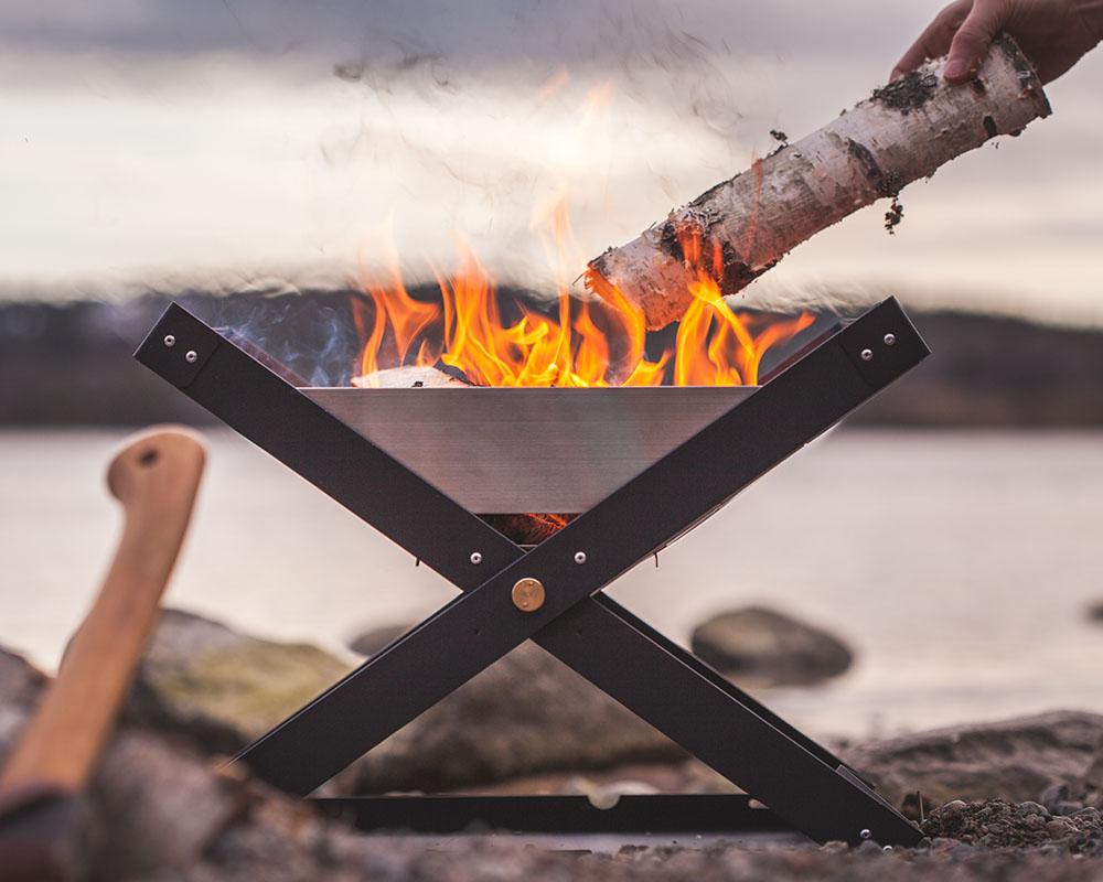 Преносимо огнище-барбекю Primus Kamoto OpenFire Pit  запален огън