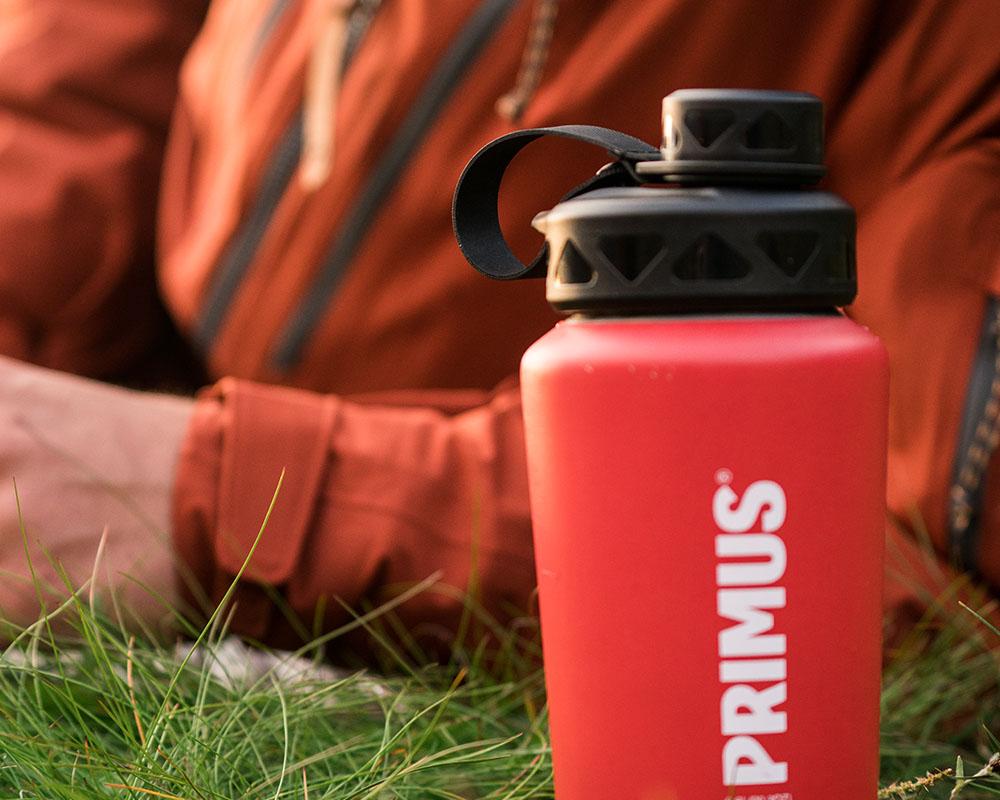 В лагера с термо бутилка Primus TrailBottle 1.0L синя