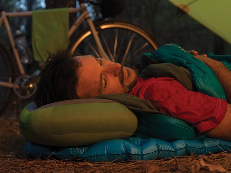 Спане на открито с надуваема възглавница Sea to Summit Aeros Premium Pillow Large зелена