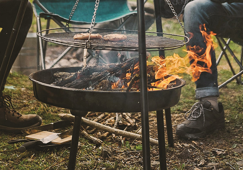 Cooking on Easy Camp Camp Fire Tripod Deluxe 2021