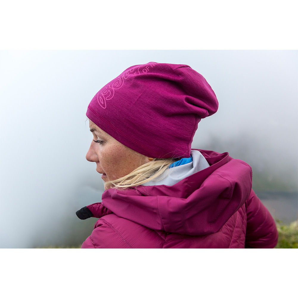 В планината с шапка от мерино вълна Bergans Bloom Wool Beanie