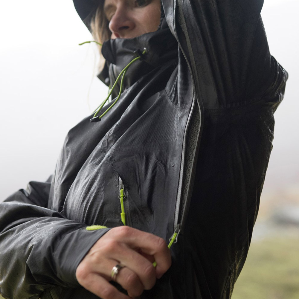 Вентилацционни отвори с ципове под мишниците дамско хардшел яке Bergans Letto Lady