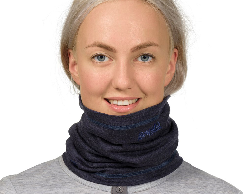 Жена с Merino Шал, лента за шия и глава Bergans Fjellrapp Neck Warmer