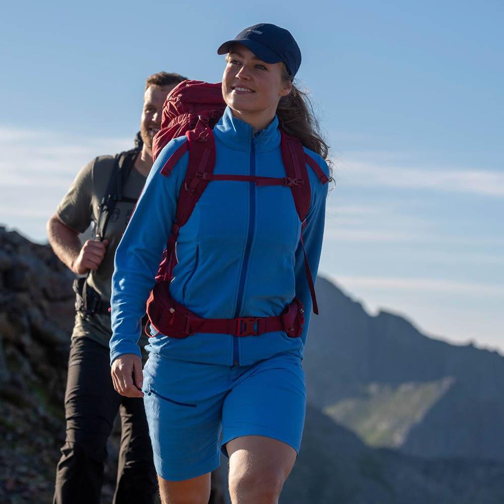В планината с дамски полар Bergans Finnsnes Fleece W Cloud Blue 2019