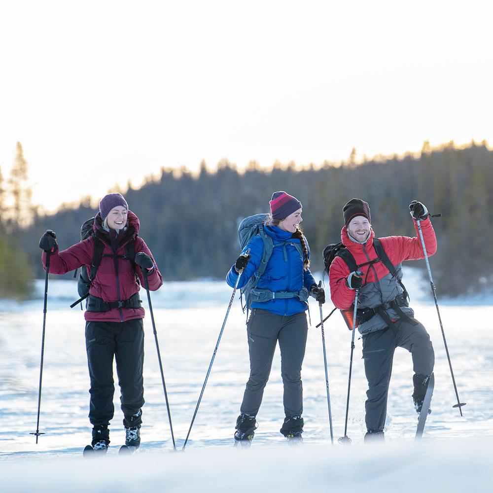 Ски туринг с шапка от мерино вълна Bergans Tonal Beanie PurpleVelvet/Beet Red/Raspberry