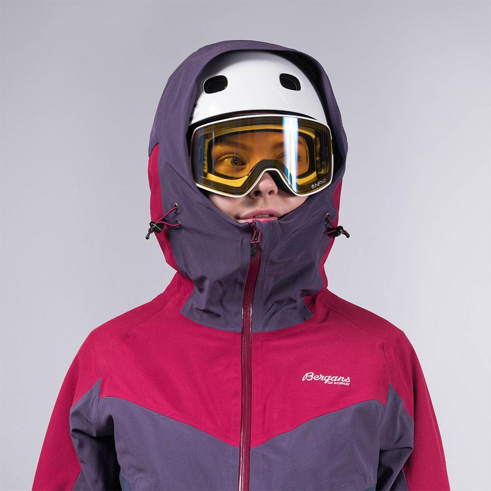 Съвместима с каска качулка на дамско ски яке с изолация Bergans Oppdal Insulated Lady