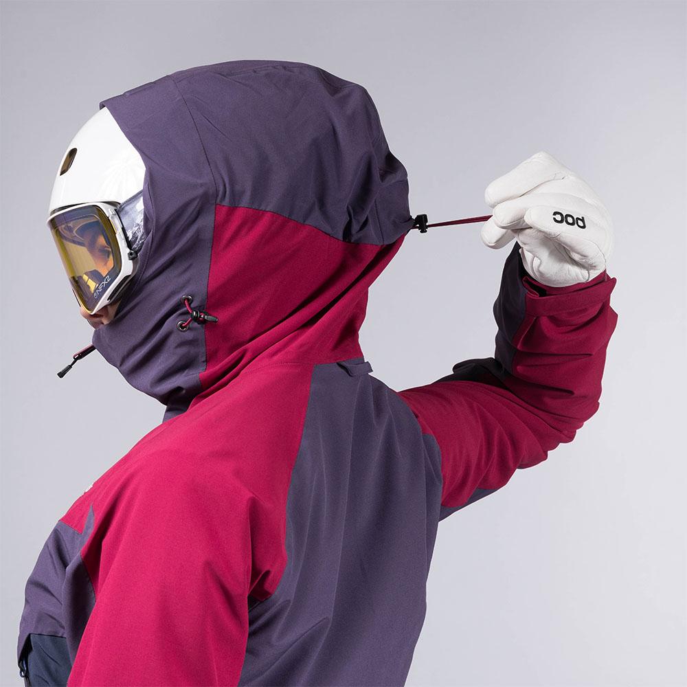 Шнурове за пристягане отстрани и отзад качулка на дамско ски яке с изолация Bergans Oppdal Insulated Lady