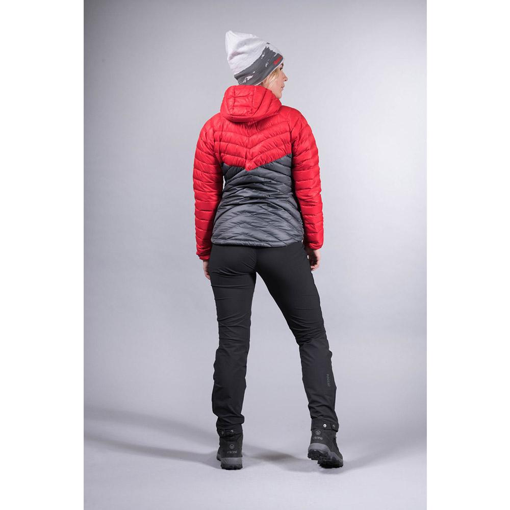 Високи странични джобове с ципове на дамско пухено яке Bergans Slingsbytind Down Lady Jacket