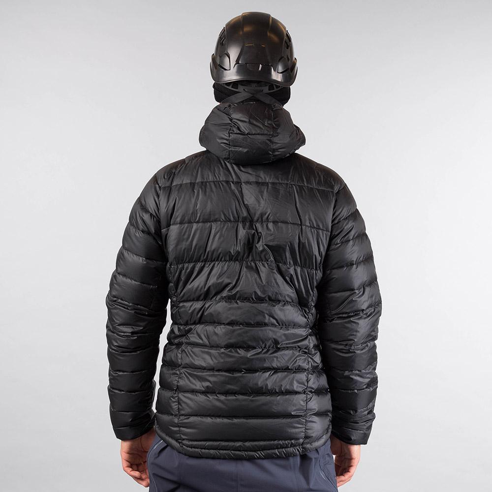 Гръб на пухено яке Bergans Slingsby Down Light w/Hood Black/Solid Dark Grey