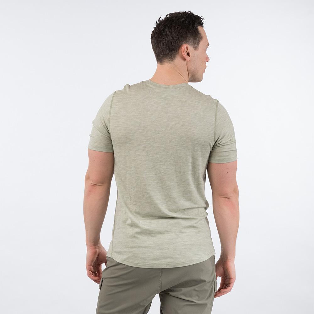 Гръб на мъжка тениска от мерино вълнa Bergans Bloom Wool Tee Light Green Mud 2020