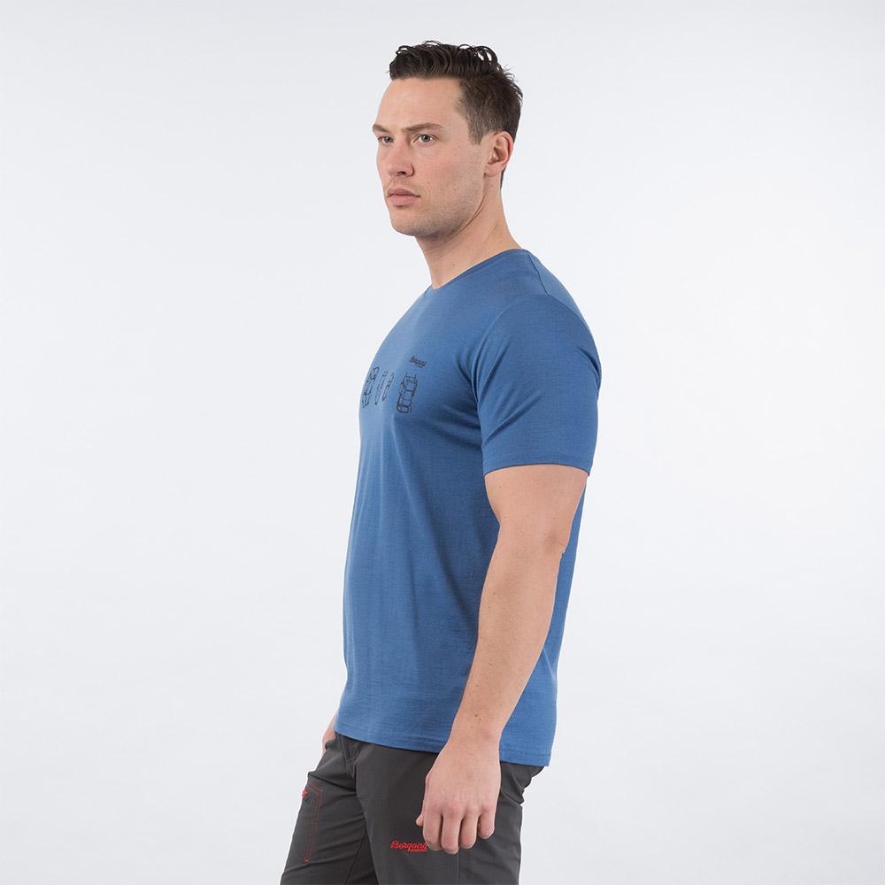 Профил на мъжка тениска от мерино вълнa Bergans Backpack Wool Tee Riviera Blue 2020