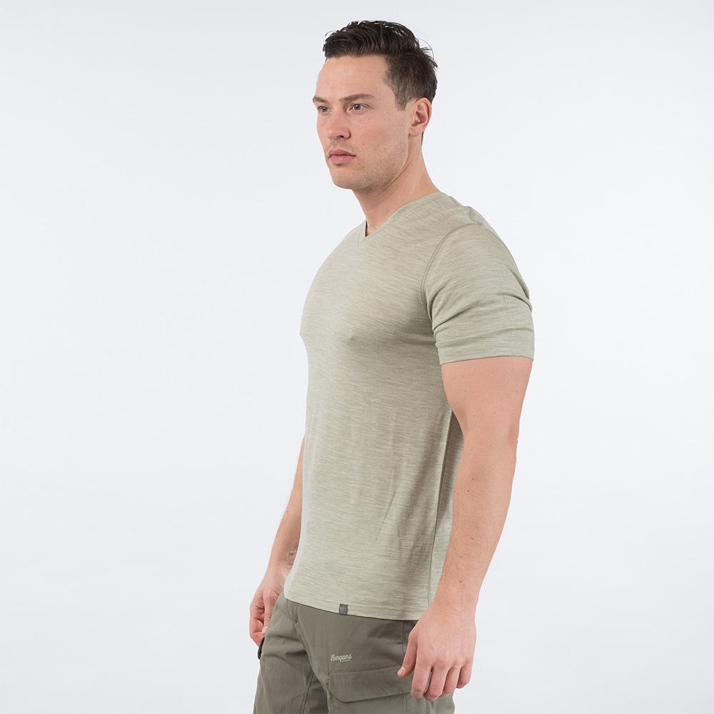 Профил на мъжка тениска от мерино вълнa Bergans Bloom Wool Tee Light Green Mud 2020