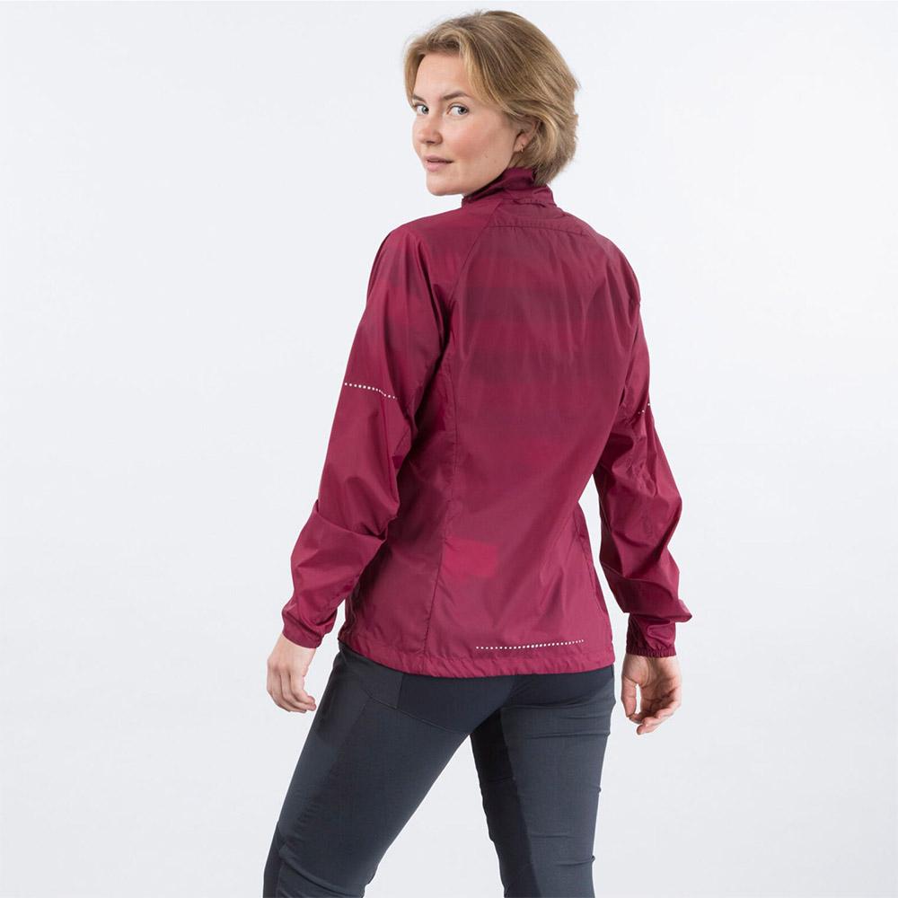 Гръб на дамско софтшел яке Bergans Fløyen W Jacket Beet Red 2020