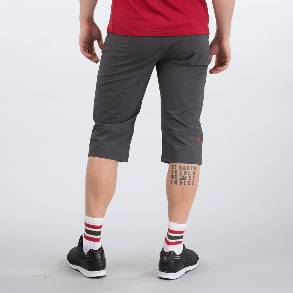 Гръб на мъжки къс панталон Bergans Moa Pirate Pants Solid Charcoal / Fire Red 2020