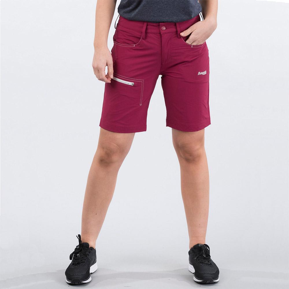 Лице на дамски къс панталон Bergans Moa W Shorts Beet Red 2020