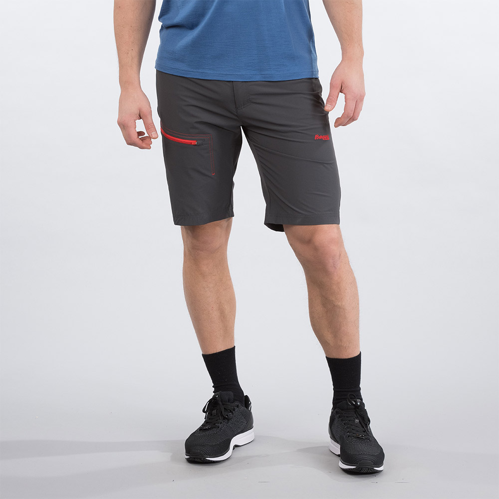 Лице на къс панталон Bergans Moa Shorts Solid Charcoal / Fire Red 2020
