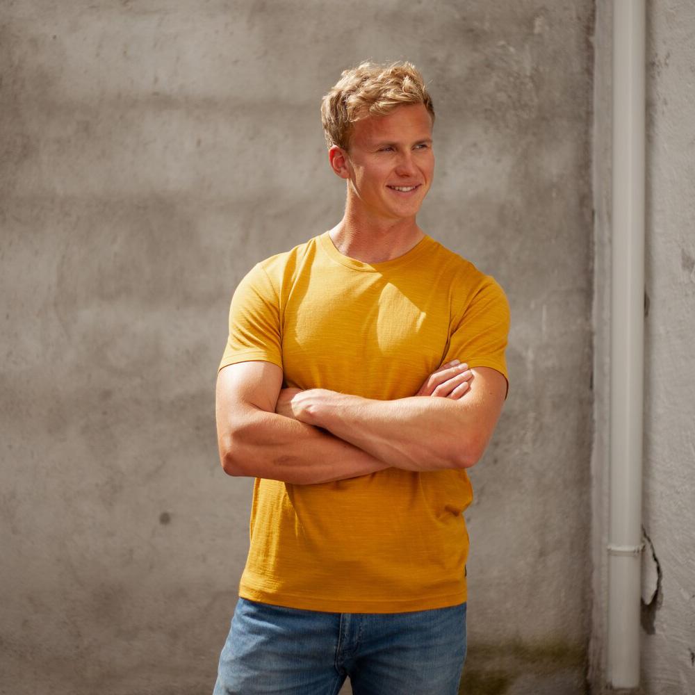 Лице на мъжка тениска от мерино вълнa Bergans Oslo Wool Tee Mustard Yellow 2021