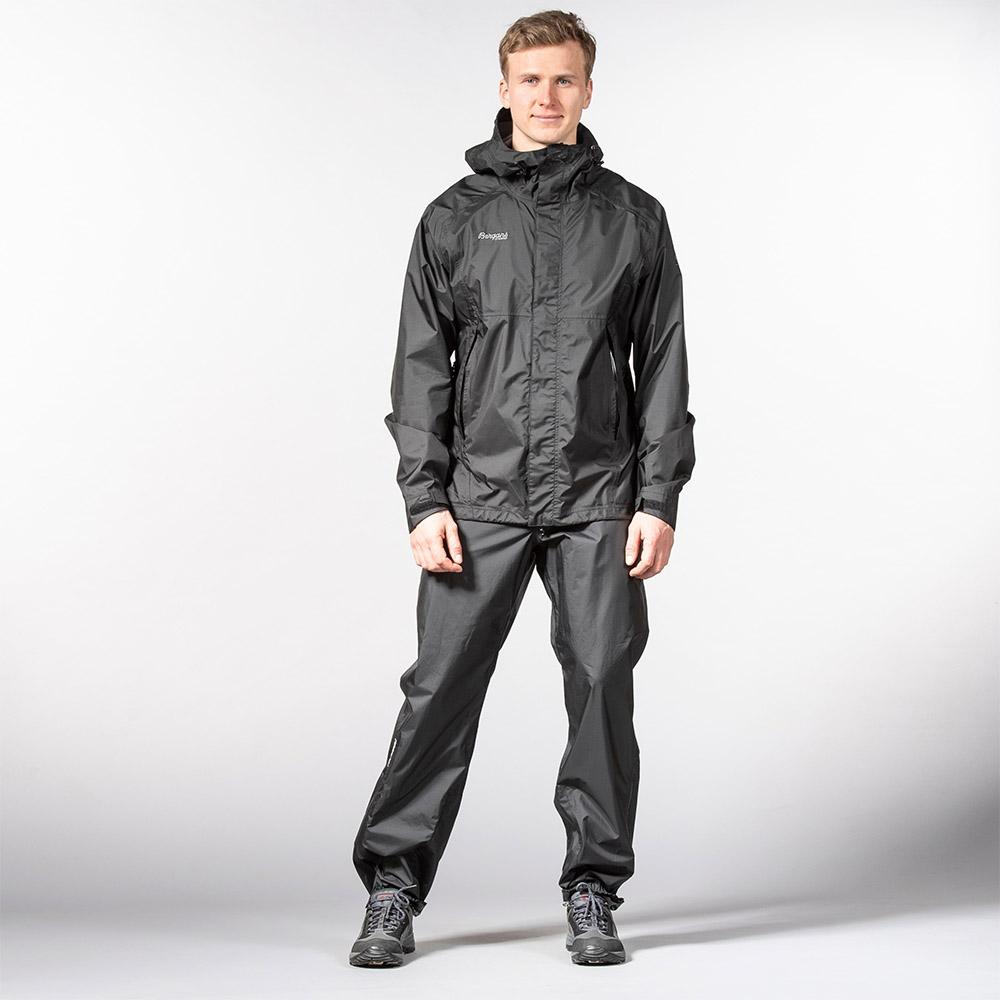 Лице на мъжки хардшел панталон Bergans Super Lett Standard Black 2020