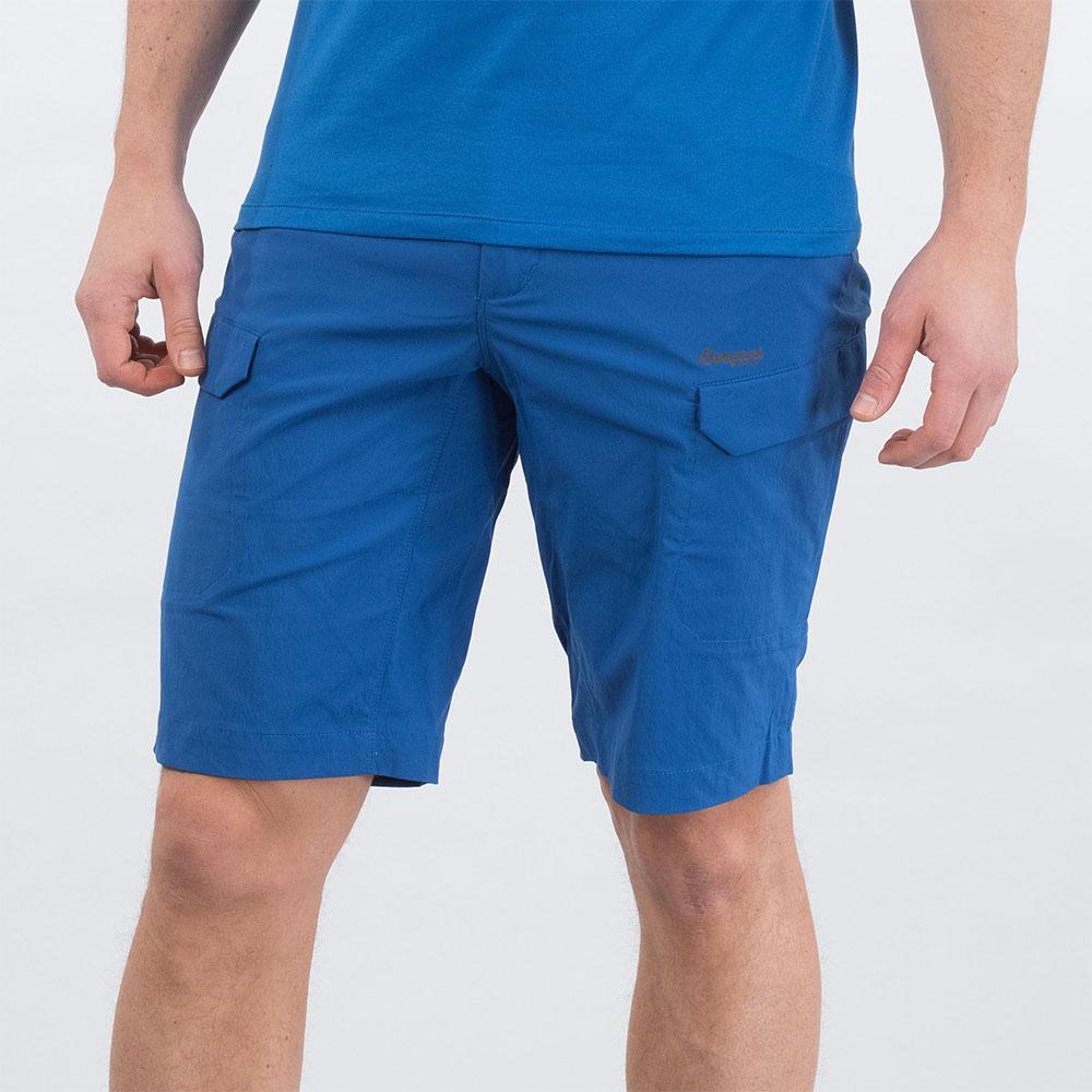 Близък план на мъжки къс панталон Bergans Utne Shorts Classic Blue 2020