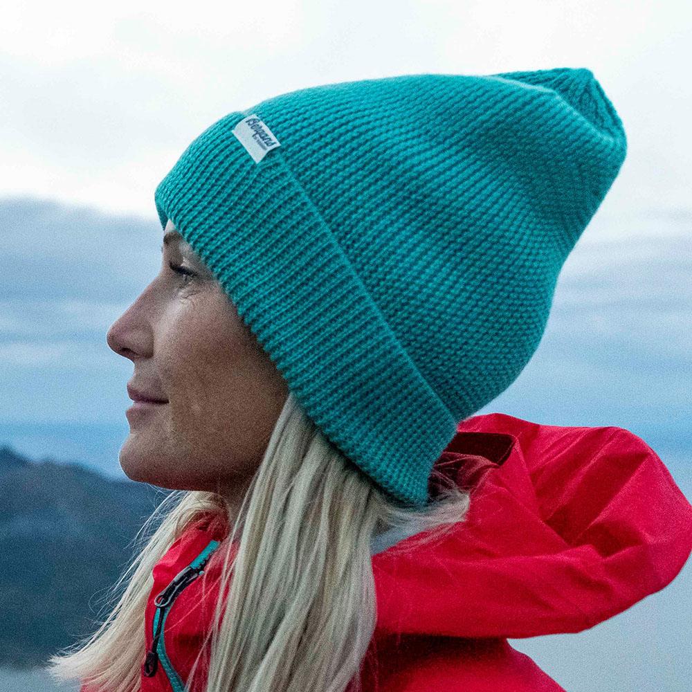 В планината с шапка Bergans Allround Beanie Light Glacier Lake 2021