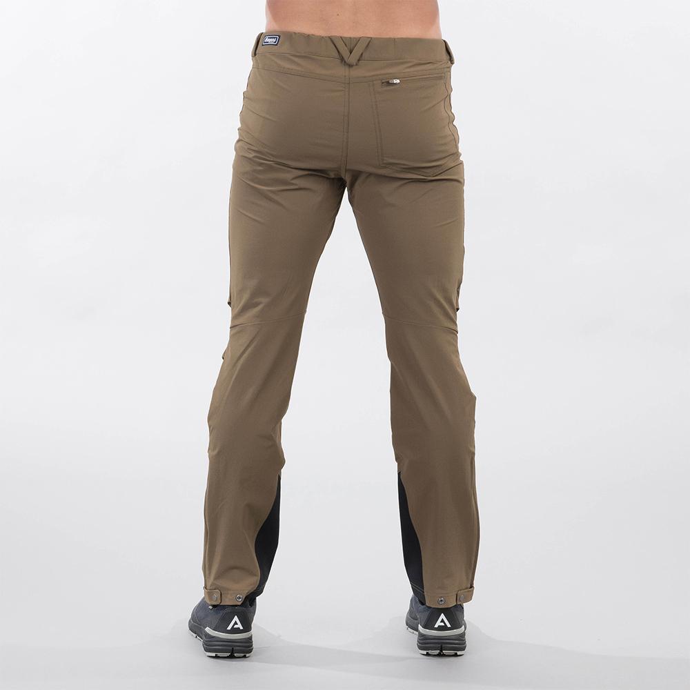 Гръб на мъжки туристически софтшел панталон Bergans Breheimen Forest Brown 2021