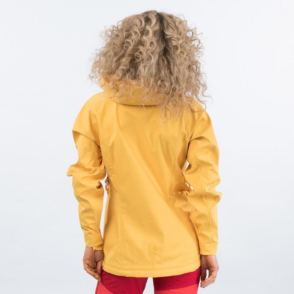 Гръб на дамско хардшел яке Bergans Cecilie 3L Jacket Lt Golden Yellow 2021