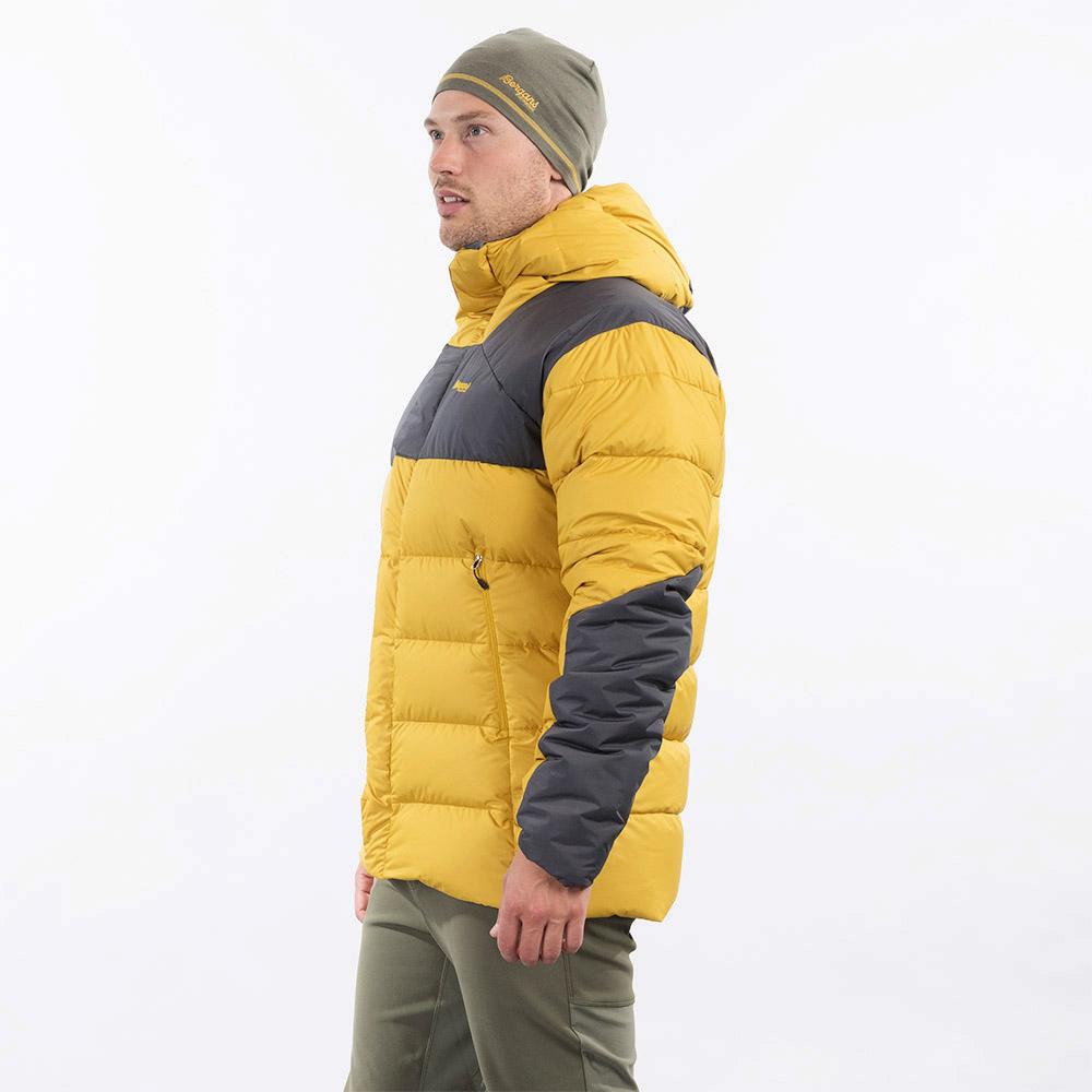 профил на мъжко пухено яке Bergans Rabot 365 Down Jacket Mustard Yellow 2021