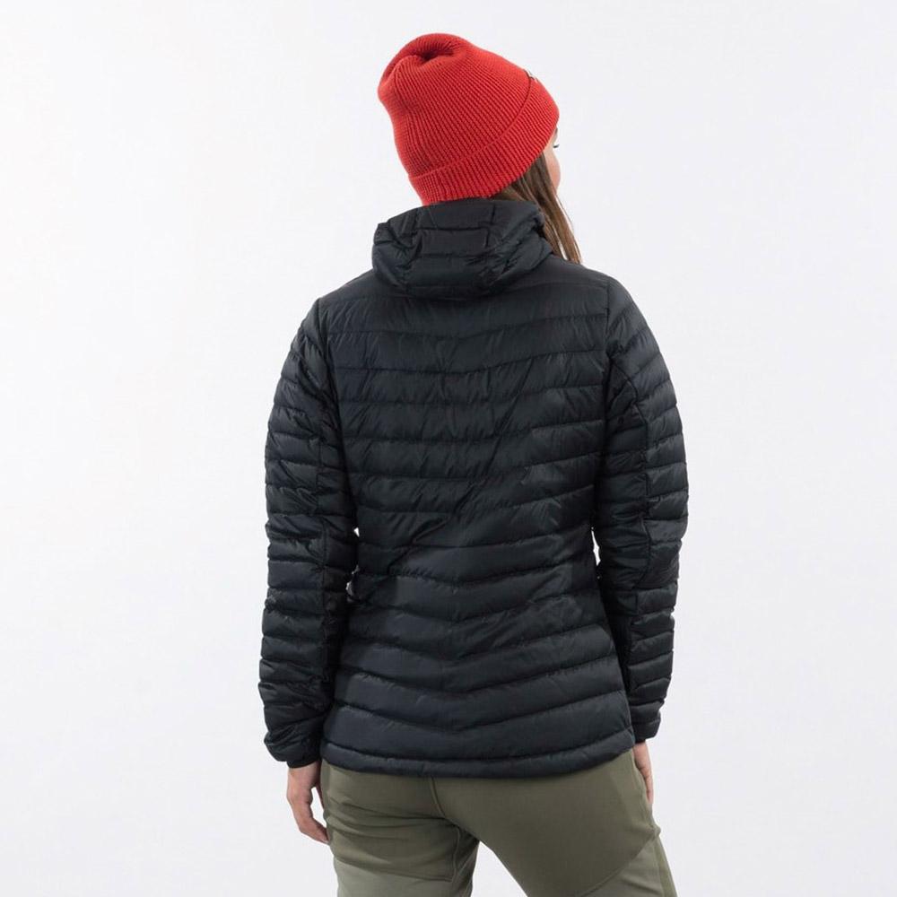 Гръб на дамско пухено яке Bergans Røros Down Light W Jacket w/Hood Black