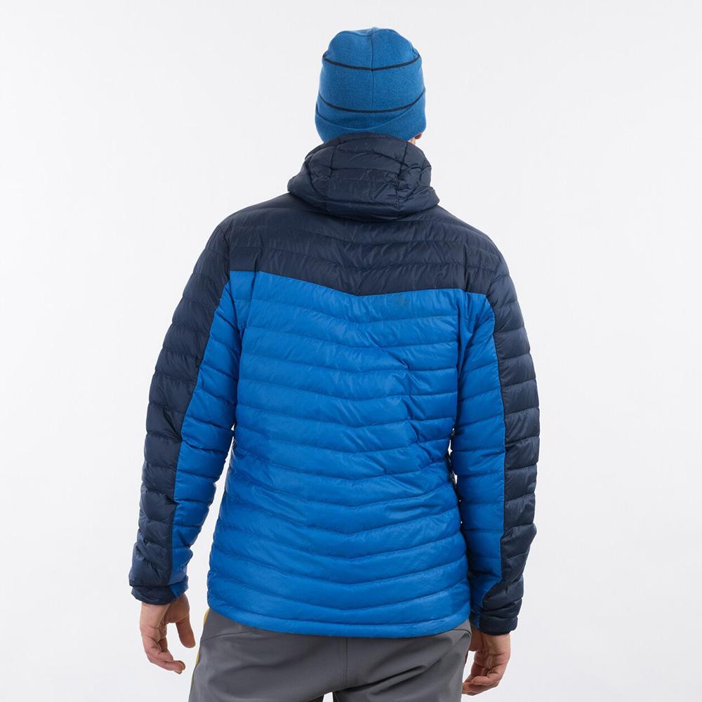 Гръб на мъжко пухено яке Bergans Røros Down Light Jacket w/Hood Strong Blue 2021