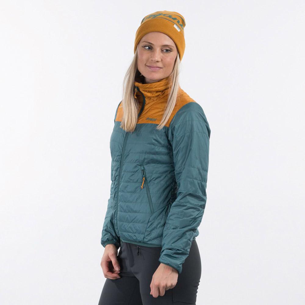 Профил на дамско яке с изолация Bergans Røros Light Insulated W Jacket Forest Frost 2021