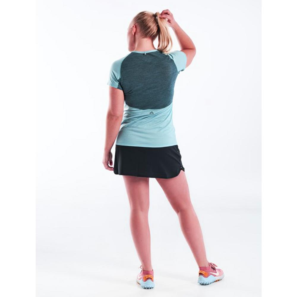 Гръб на дамска тениска за бягане Devold Running Woman Tee Cameo 2021