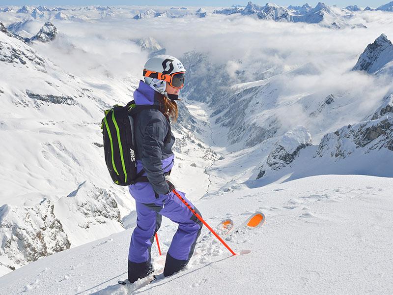Дамско хардшел ски яке Bergans Myrkdalen Insulated Lady Jacket на върха