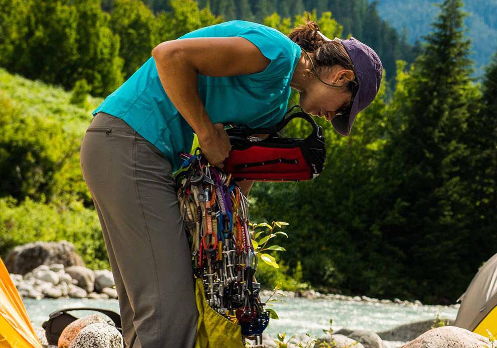 В планината с дамска спортно-туристическа тениска Outdoor Research Echo Tee
