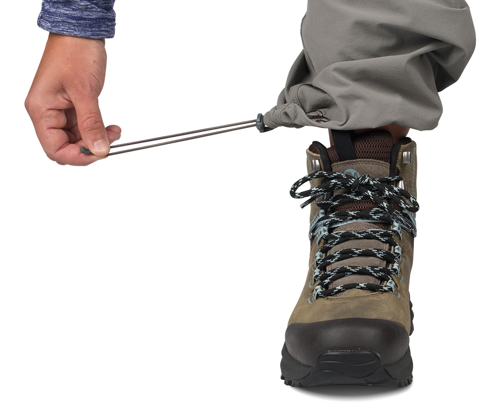 Шнурове за пристягане в основата на крачолите дамски софтшел панталон Outdoor Research Women's Ferrosi Pants