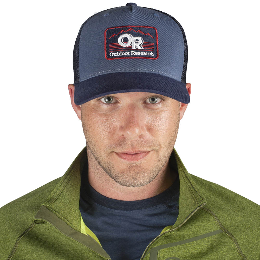 Синя шапка с козирка Outdoor Research Advocate Trucker Cap