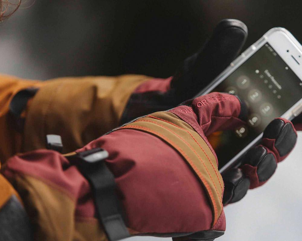 Тъчскрийн дамски ръкавици за ски Outdoor Research Southback Sensor Glove