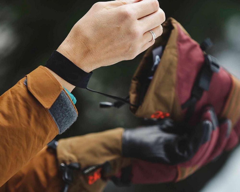 Връзки против изгубване на дамски ръкавици за ски Outdoor Research Southback Sensor