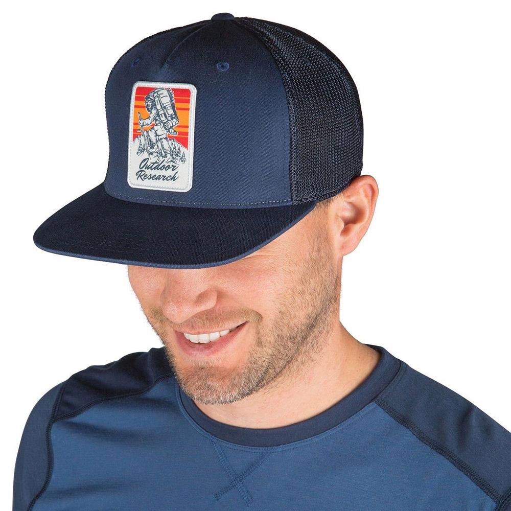 Шапка с козирка Outdoor Research Trucker Cap