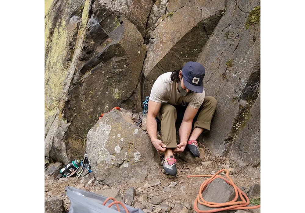 Мъжки туристически софтшел панталон Outdoor Research Equinox Flint 2021