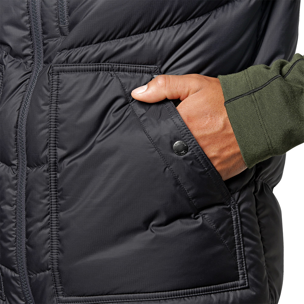 Странични джобове на пухен елек Outdoor Research Transcendent Down Vest