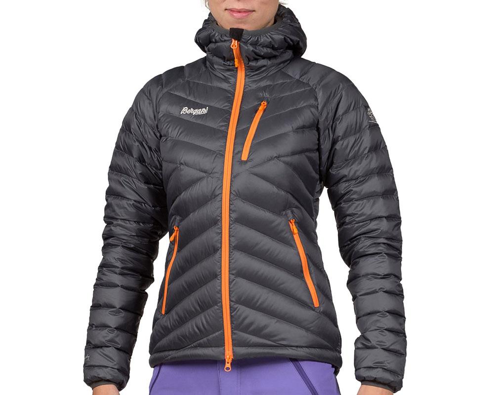 Жена, облечена в пухено яке с качулка Bergans Slingsbytind Down Lady Jacket