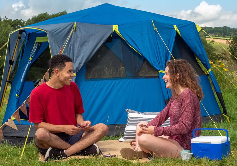 Пред палатката с Coleman Combo 4.7L