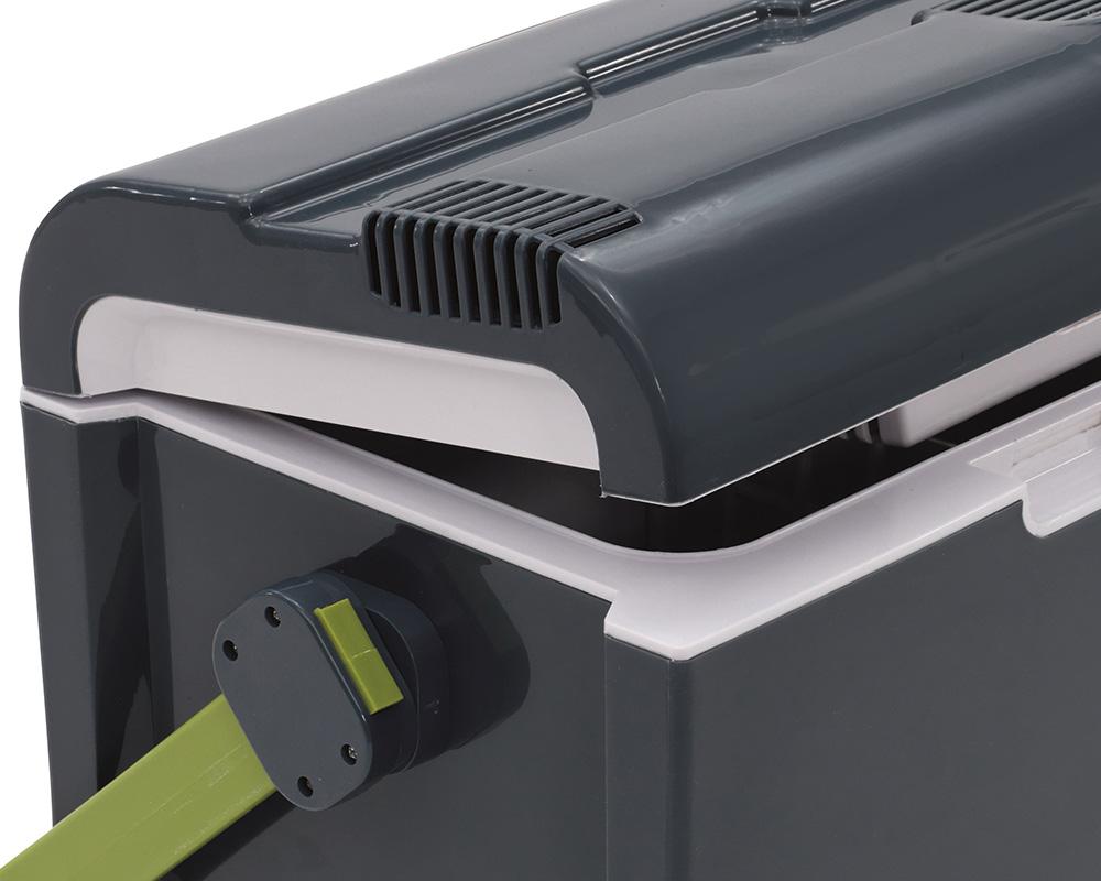 Електрическа хладилна чанта Outwell ECOcool 35 литра полуотворено състояние