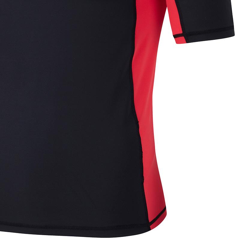 ръкав на мъжка блуза ликра