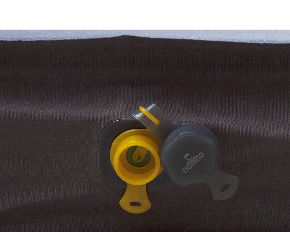 Частично отворен вентил на двойна самонадуваема постелка Nomad Dreamzone Duo 10.0 см