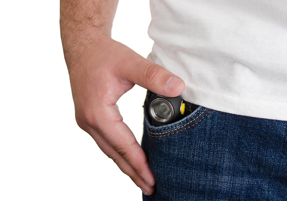 В джоба Armytek Tiara C1 Pro Magnet USB Warm 980LM