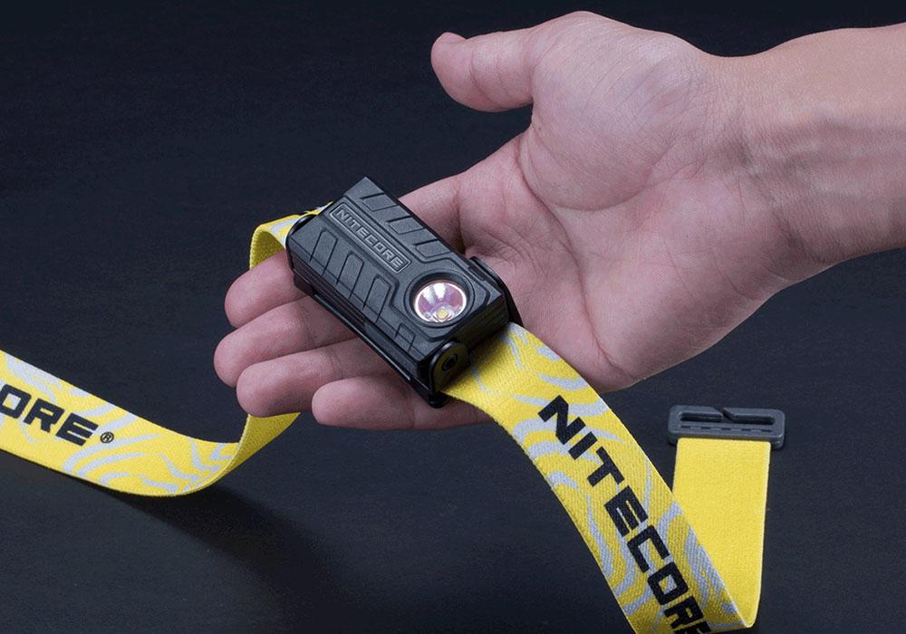 В ръка Nitecore NU20 360 LM Rechargeable Black 2021